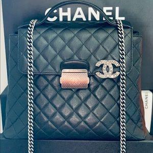 🍾🥂2xHost Pick🥳Chanel University Handbag